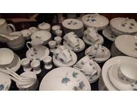 Noritake Royal Crockery Vintage 618 - 106 pieces