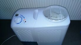 dehumidifier (AMCOR SD10)very good clean two speed fan large tank