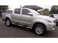 2014 Toyota Hilux 3.0 D4D Invincible, Manual, reversing camera, load liner