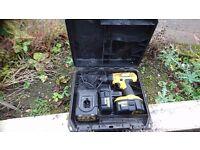 Dewalt 18v drill complete 2 batteries and charger