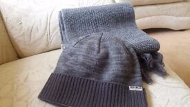 Jack Wills mens scarf and beanie hat ( genuine ) no gloves hence price
