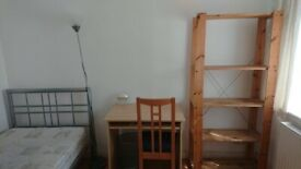 LUXURIOUS SINGLE ROOMS IN CHISWICK AT AFFORDABLE PRICES (ALL GIRL HOUSESHARE)