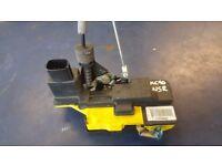 2004 VOLVO XC90 REAR LEFT NEAR PASSENGER SIDE NSR DOOR INTERNAL ELECTRIC LOCK PAK £60