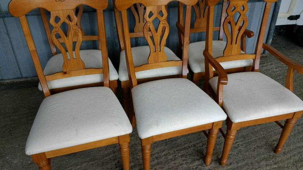 Pine Table  six Chairs-Solid Round Extendable Table  in Honiton