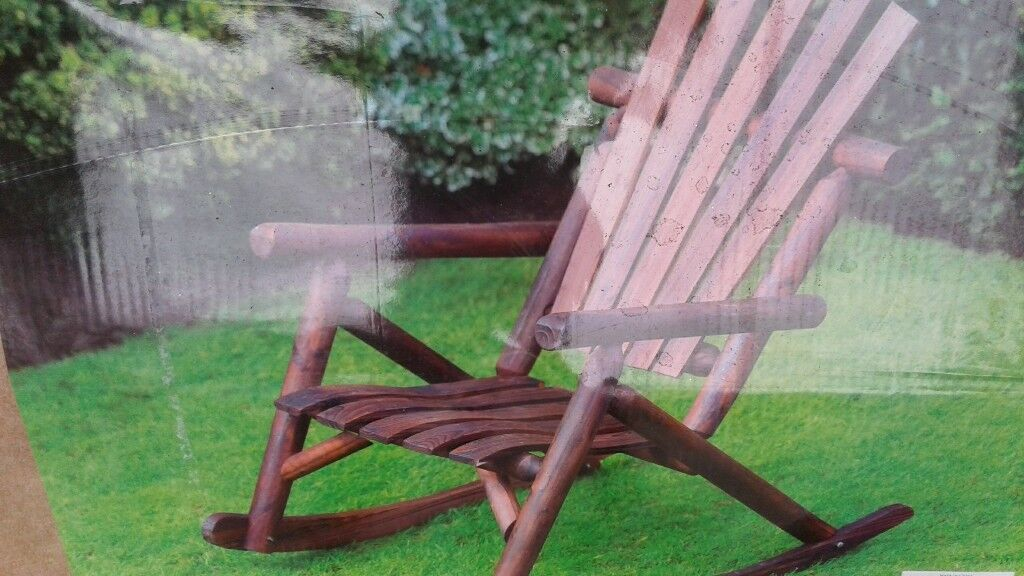 2 New Boxed Wagon Wheel Garden Benches And Garden Rocking Chair