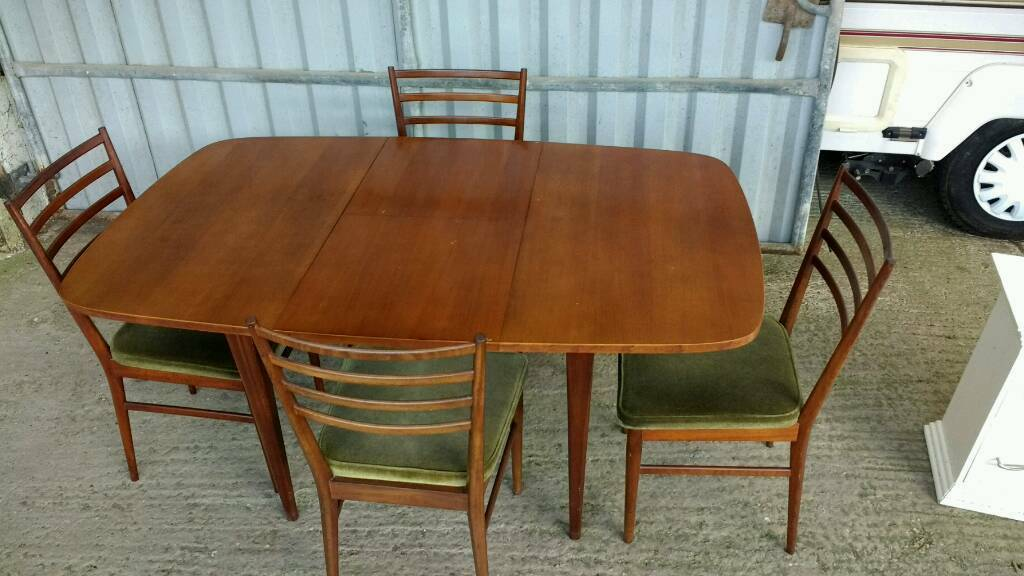 Table and Chairs - Meredew Vintage Extendable  in Honiton Devon
