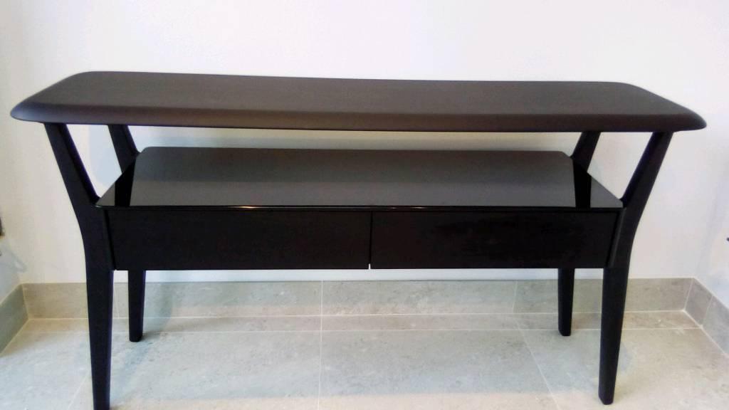 Charmant Natuzzi Console Table / Side Board