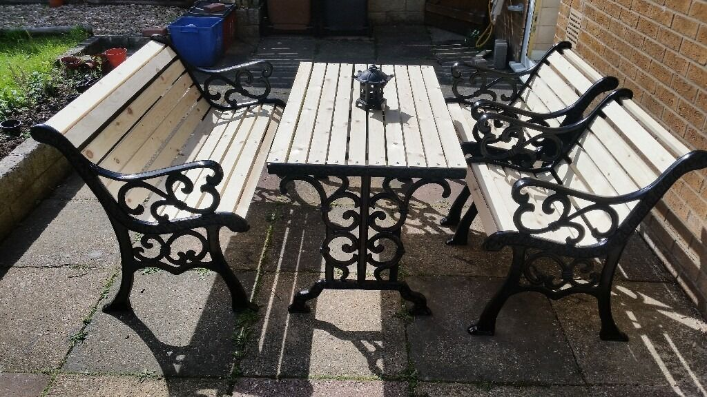 Cast Iron Outdoor Table And Chairs Part - 32: RARE ANTIQUE NEWLY REFURBISHED 5 PIECE CAST IRON GARDEN TABLE AND CHAIRS