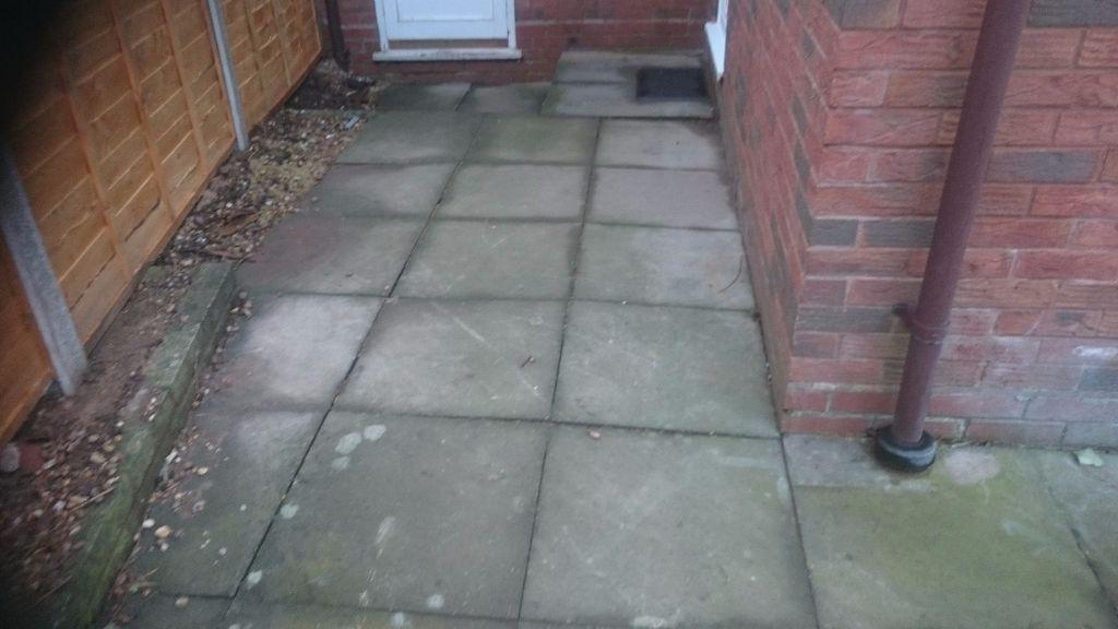 56 2x2 Used Grey Paving Slabs £70 U003d £1.25 A Slab