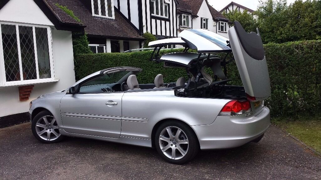 2006 Volvo C70 2.4i G Auto Hard Top Convertible Sports Car In Excellent  Condition