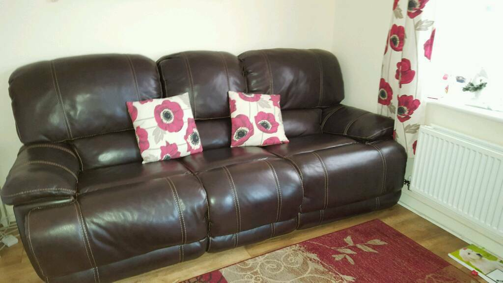 man wah clayton 3 seater leather recliner sofa
