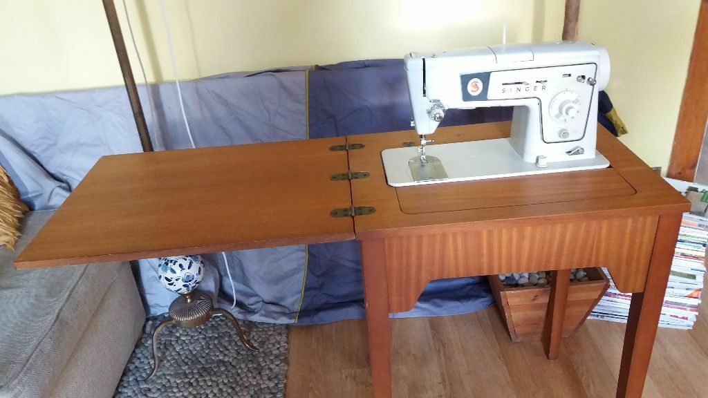 Singer Vintage Electric Sewing Machine Model 478 Built Into A Hideaway  Table /cabinet