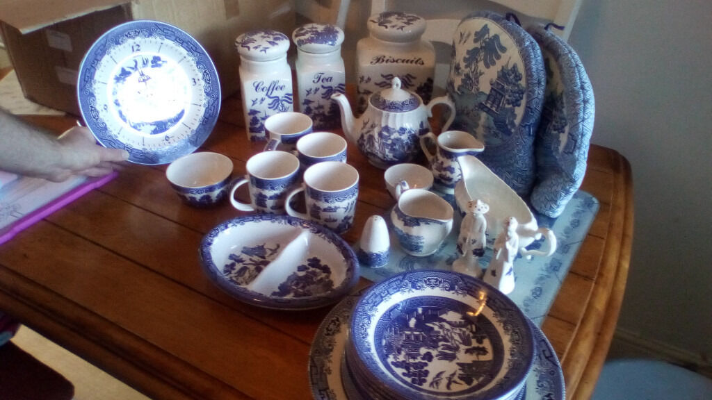 Large collection of willow pattern dinner set tea set accessories & Large collection of willow pattern dinner set tea set accessories ...