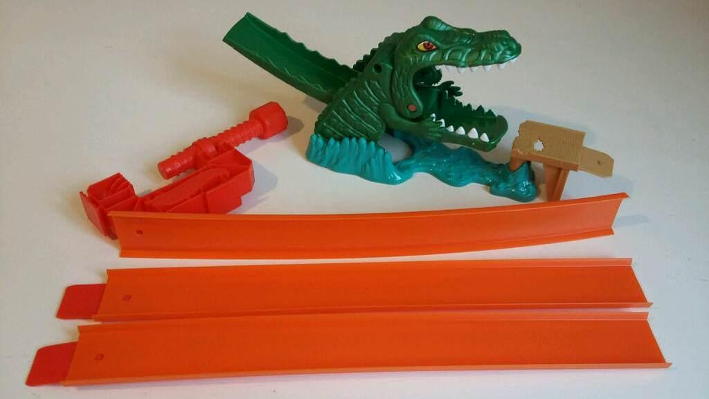 Charming Hot Wheels Crocodile Car Ramp