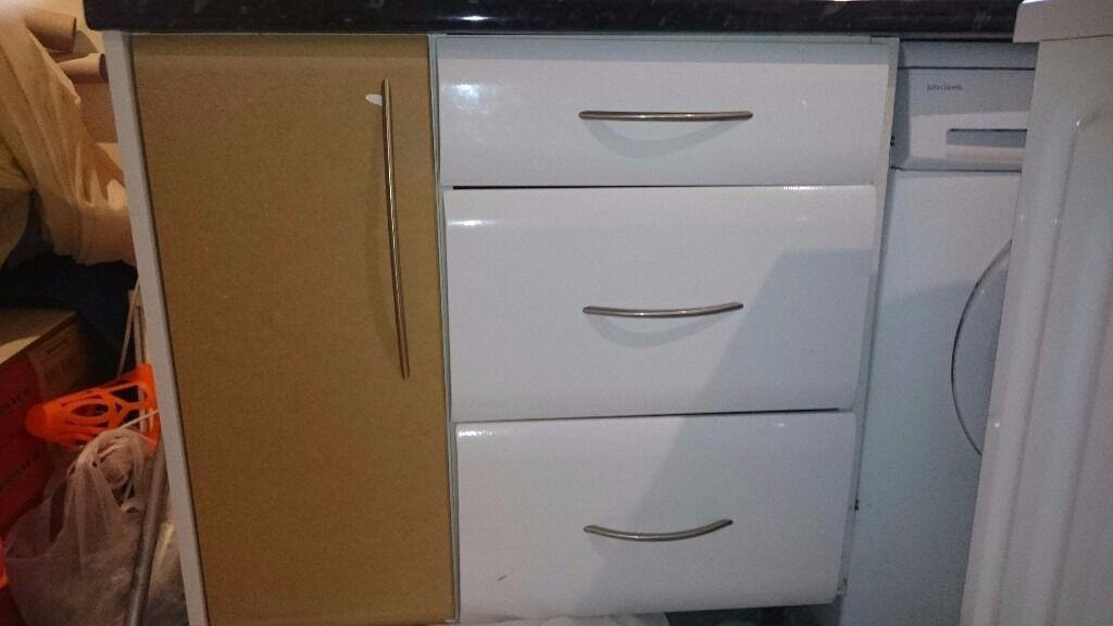 Amazing White Kitchen Units. Wall X4, Base X3, 3 Drawer Unit X1,