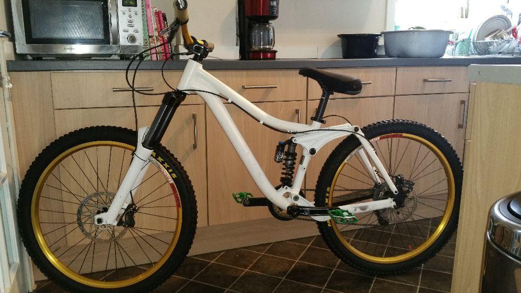 Kona Stinky 6 Freeride Downhill Bike