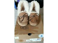 UGG: Brand new boxed Ugg Australia slipper
