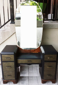 Art Deco/Antque cool desk