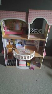Wooden 4ft Barbie house with accessories