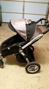 Beautifully, well-kept Guzzie and Guss Stroller!