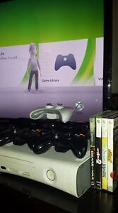 XBox 360 with Kinect, 3 controllers and 4 games