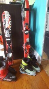 Ski alpin 70 cm et 80 cm et bottes pour enfant