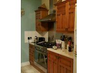 Solid Oak Door Kitchen Units buyer collects