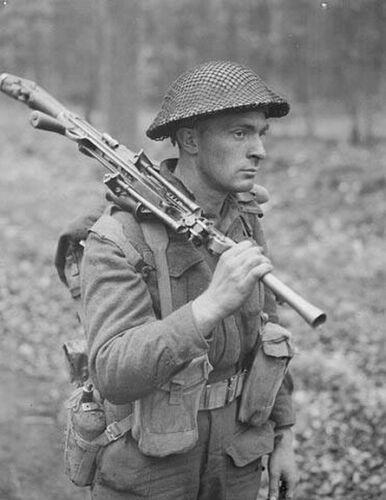 WW2 WWII Photo Canadian Soldier Bren Gun Arnhem 1945  World War Two / 1699