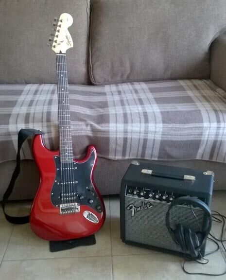 Squier Fender Guitar starter kit