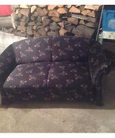 Sofa fauteuil 2 places à vendre.  Presque neuf.