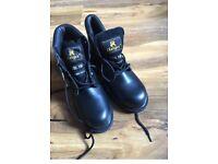 Steel toe cap boots new size 6