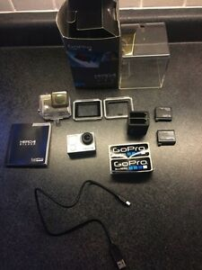 GoPro Hero4 Silver w/ 2 extra batteries and dual charger Sarnia Sarnia Area image 1