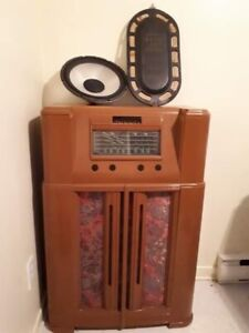 Meuble radio antique non fonctionnel.A SOREL