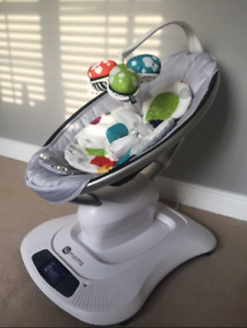 4mom Mamaroo with infant insert