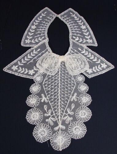 Stunning Antique Cream Vintage Victorian Style Lace Collar