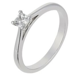 18ct white gold Diamond solitaire ring + Platinum Wedding band Size L