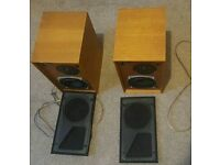 CELESTION DITTON 11 Hi-Fi bookshelf speakers in excellent condition and good working order.