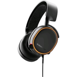 Steelseries Arctis 5 gaming headphones