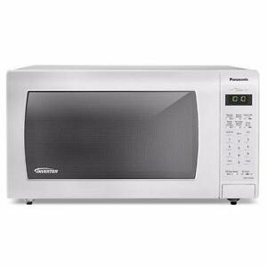 NEW Panasonic Genius 1.6 Cu. Ft. Countertop Microwave – NN-ST766W
