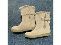 GUESS Snow Boots Grey Suede