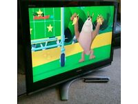 """TOSHIBA 40"""" LCD TV FULL HD BUILT IN FREEVIEW EXCELLENT CONDITION REMOTE CONTROL HDMI FULLY WORKING"""