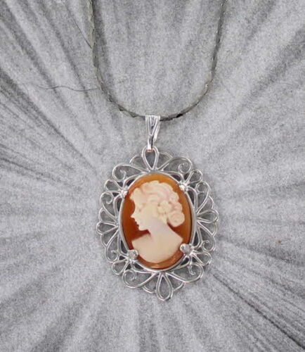Vintage Hand Carved Cameo Necklace Pendant in Sterling Silver with chain