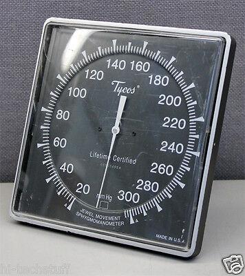 Tycos Jewel Movement Sphygmomanometer