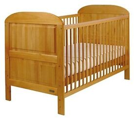 Beautiful, adjustable cot / cotbed/ toddler bed