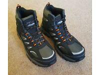 New Trojan safety boots. Size 8. Steel toe cap S1-P SRC