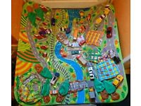 Large car play mat with inflatable buildings and cars included