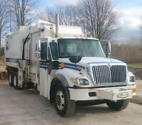 2006 INTERNATIONAL 7400 SIDELOAD GARBAGE TRUCK