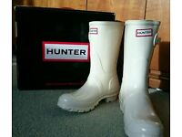 Short White Hunter Wellies SIZE 4
