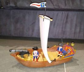 Playmobil 5948 Soldiers Boat. From a smoke free and pet free home.