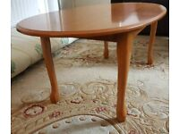 Oval coffee table in good condition